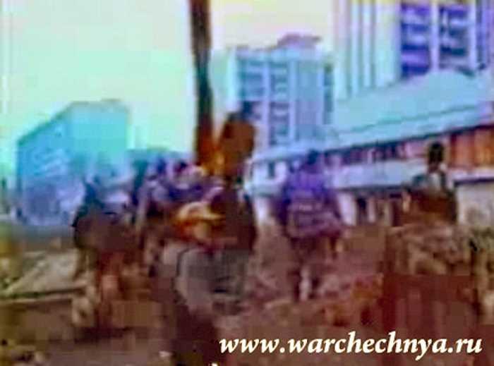 Первая чеченская война. Повешение русского солдата в Грозном