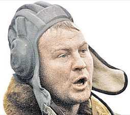 Декабрь 1999-го. Командир танкового полка полковник Юрий Буданов на экспрессивном офицерском языке отдает приказ выбить боевиков из Урус-Мартана... Фото из семейного архива Буданова
