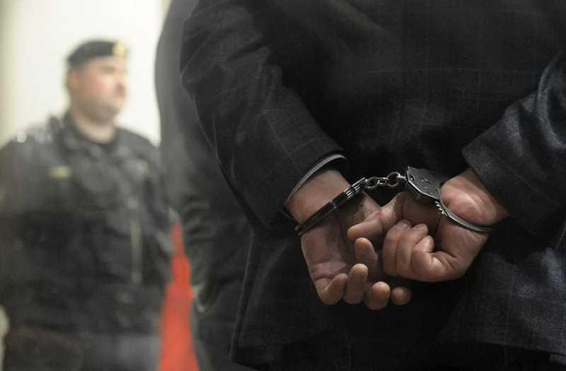 Житель Хасавюрта обвиняется в помощи боевику