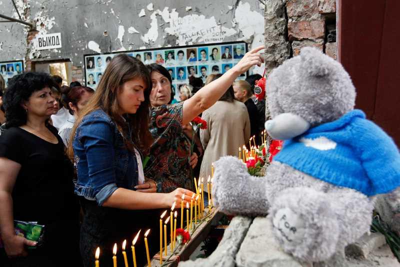 В Беслане вспоминают жертв теракта в школе №1
