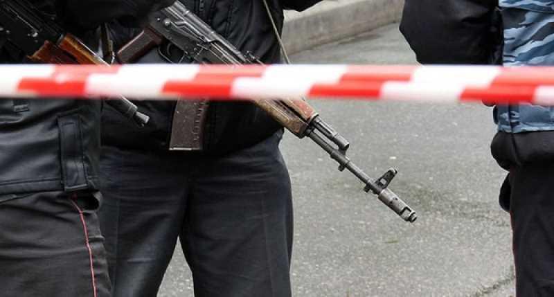 Полицейские с задержанным подорвались на мине в Чечне