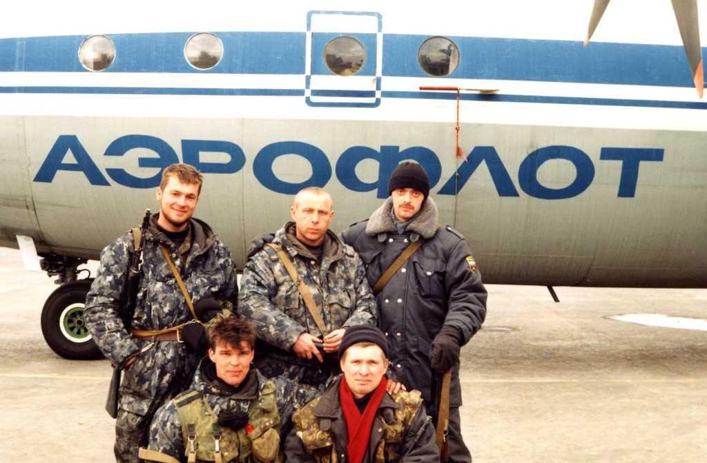 Бойцы Свердловского ОМОНа в Чечне в 1996 году.
