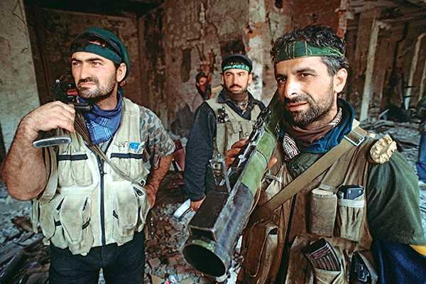 Чеченцев нельзя победить силой! Русский беспредел, пчеловод Басаев и дикие танцы