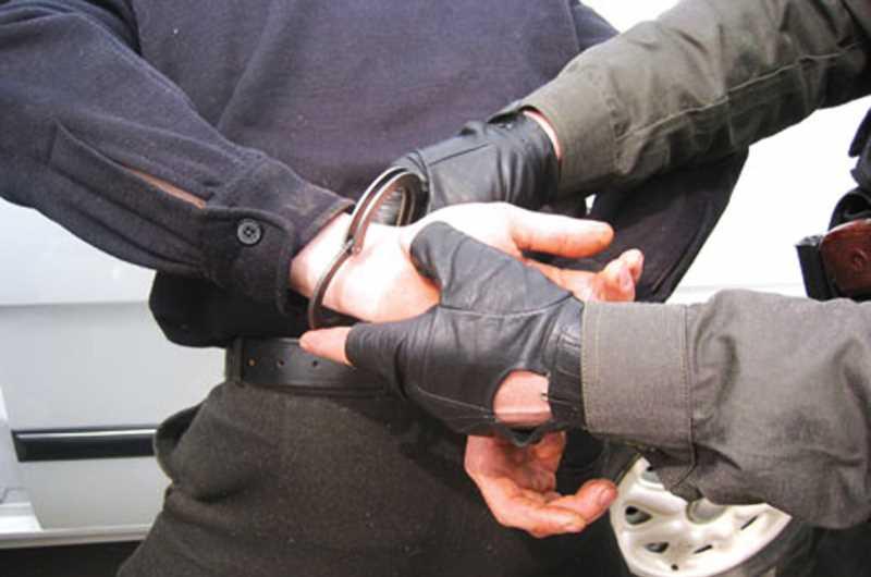 Житель Каспийска обвинен в причастности к боевикам