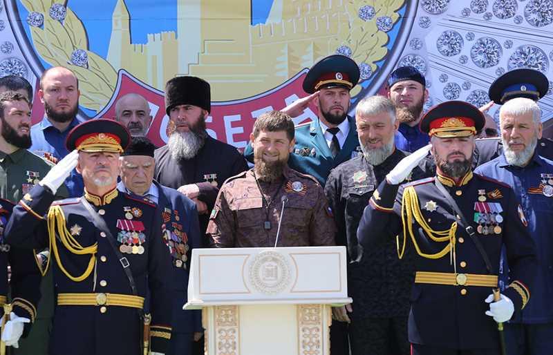 """Рамзан Кадыров стал первым обладателем ордена """"Герой Отечества"""""""