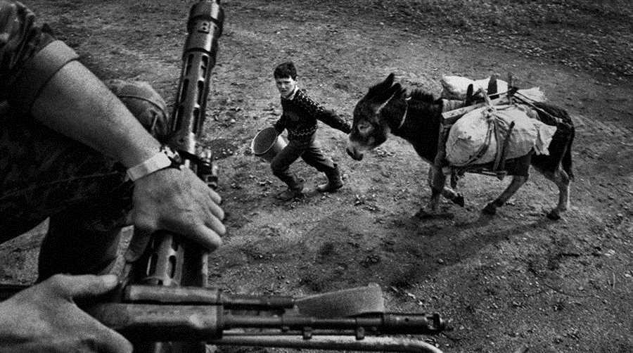 В районе Ханкалы, 2000 г. Фото Артема Чернова