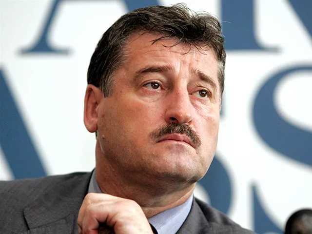 Алу Алханов, официальный президент Чечни