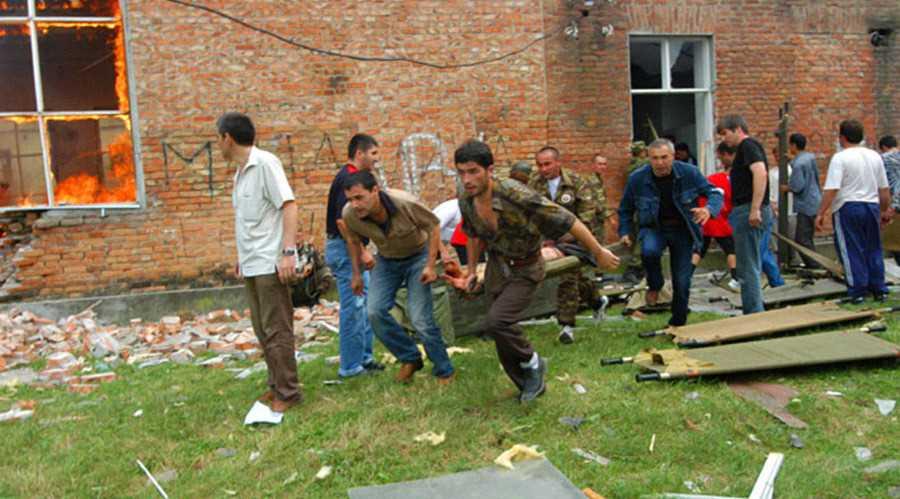 Эвакуация раненых заложников