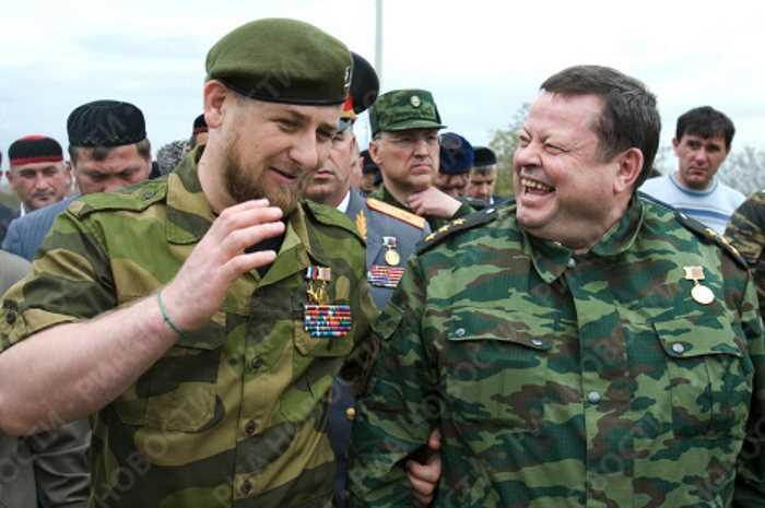 Аркадий Еделев (справа), Глава Регионального оперативного штаба на Кавказе