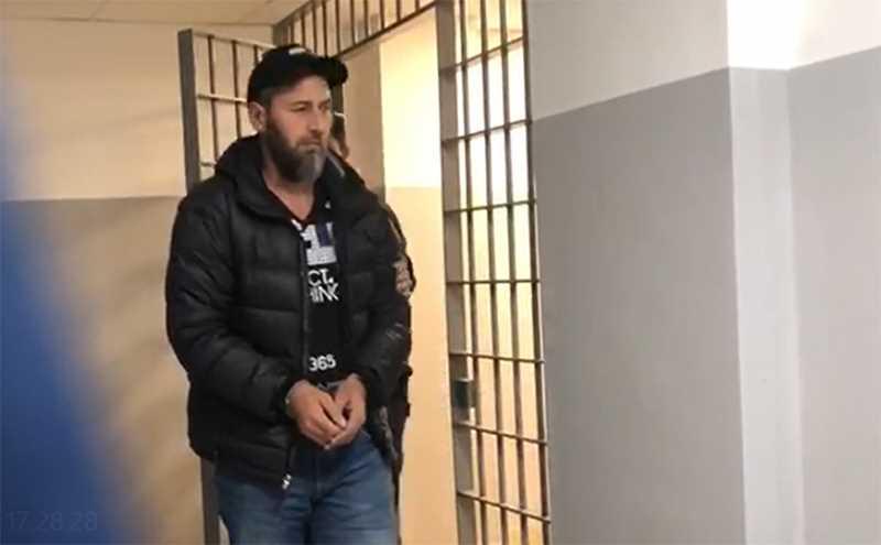 Арестованы двое боевиков Басаева за нападение на десантников 6 роты