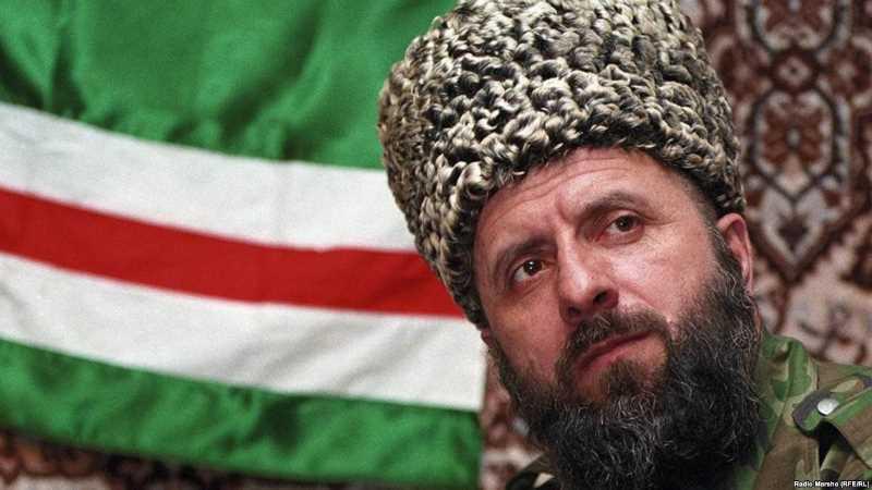 Чеченский полевой командир Зелимхан Абдулмуслимович Яндарбиев