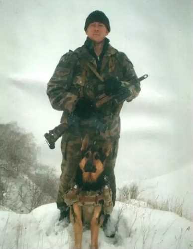 Память героя-пограничника Сергея Попова увековечили на Алтае