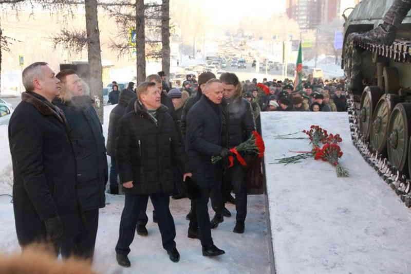Памятник «Ветеранам боевых действий» открыли в Новосибирске