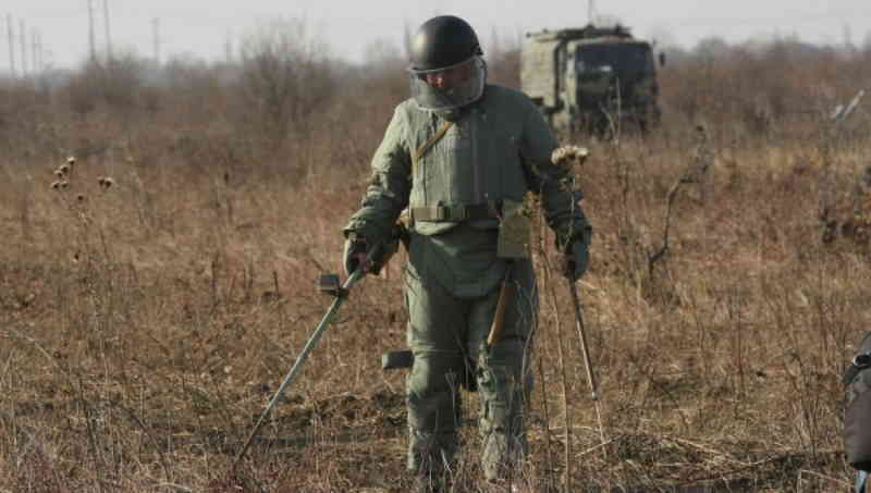 Военные саперы начали разминирование в Чечне