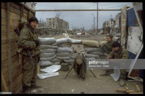 2 Russian Army in the Grozny streets