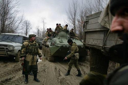 Солдаты батальона «Восток» проводит операцию по преследованию сепаратистов, Ведено, Чечня, 23 марта 2007 года.